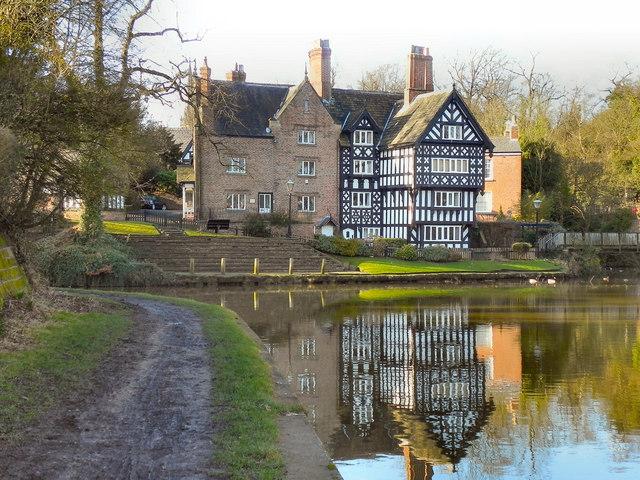 Worsley Village Circular Canal